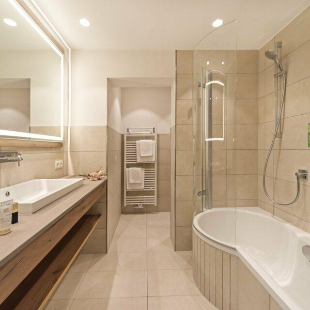 Doppelzimmer Tirol Badezimmer - Wohnbeispiel 2